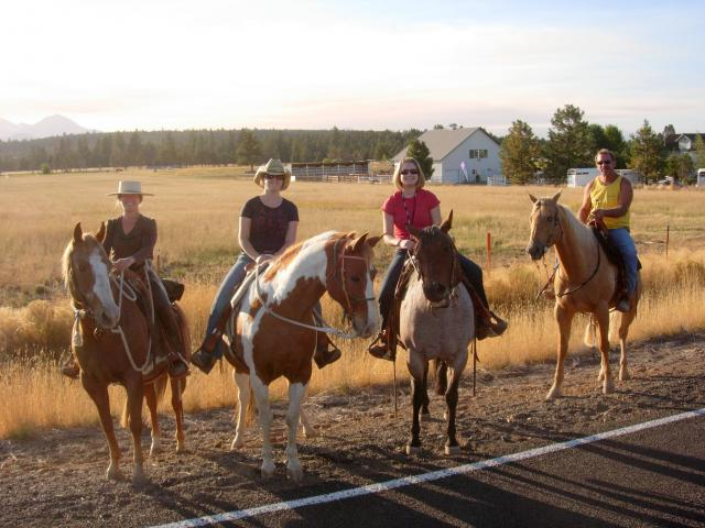 Wolfys_ride_horses_together_092709_%283%29.JPG